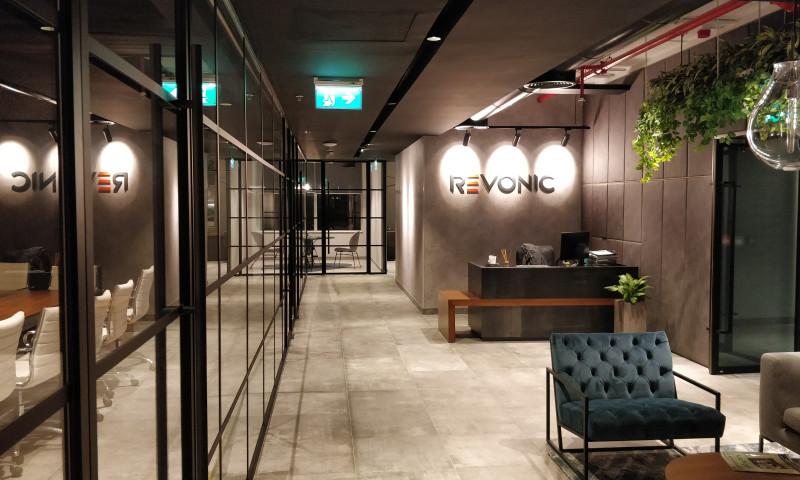 Revonic - Photo - 1