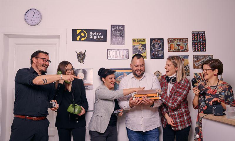Retro Digital Agency - Photo - 1