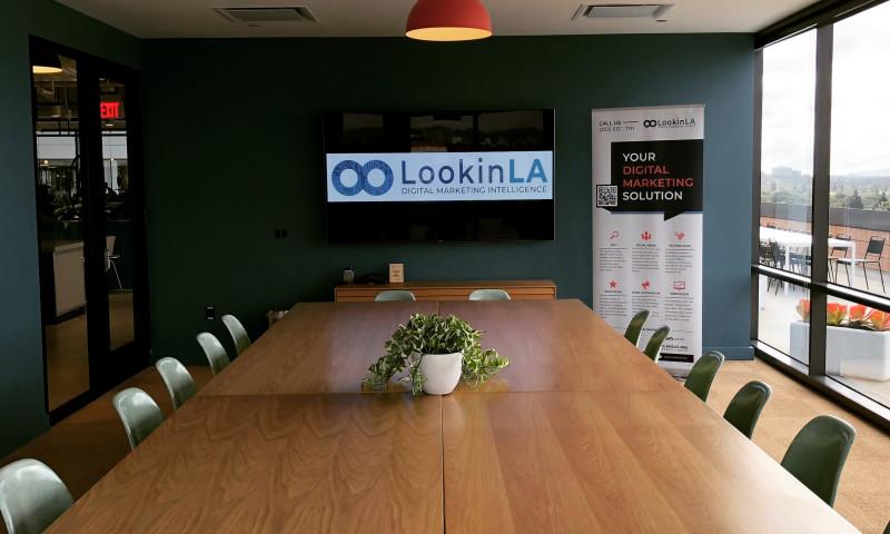 LookinLA - Photo - 2