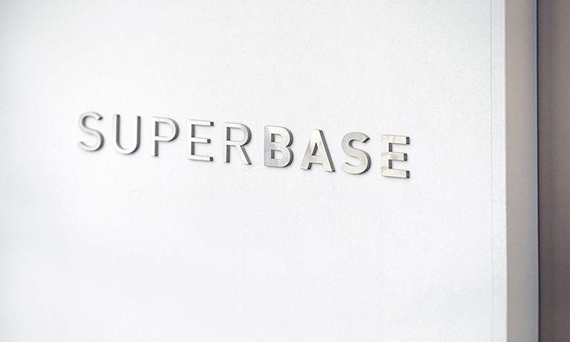 SUPERBASE - Photo - 1