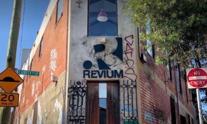 Revium - Photo - 1