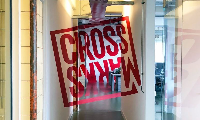 Crossmarks - Photo - 3