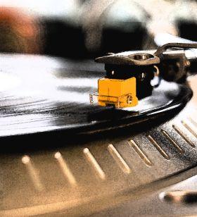 UX Designer / Avid vinyl collector