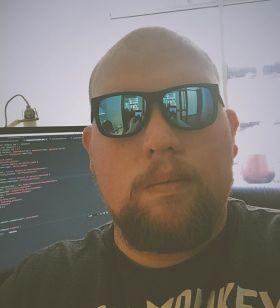 Co-Founder, Full Stack Software Engineer, UI/UX Designer.