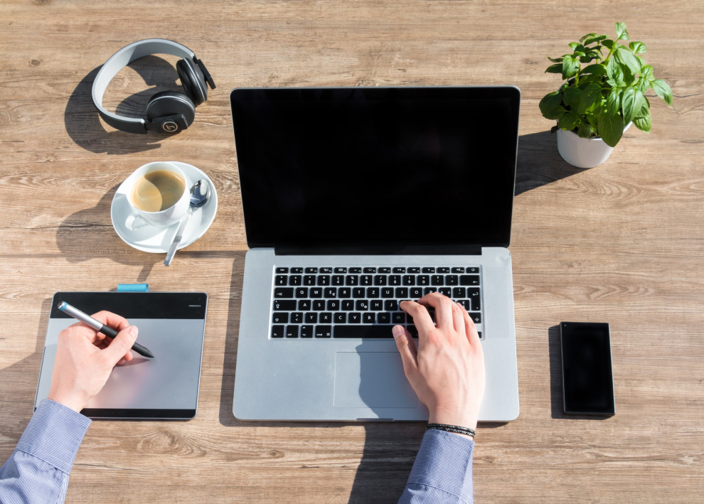 Full-Time Freelancer? Here are 5 Tips for Staying Productive in Your Home Office