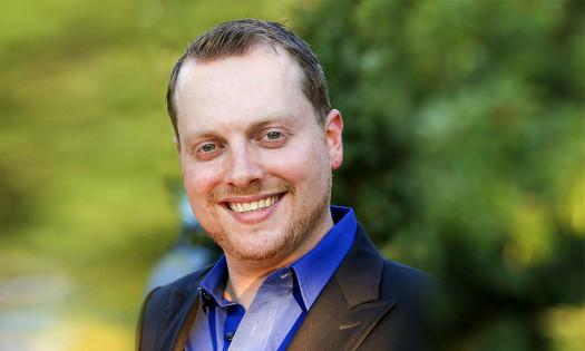 Chris Olshan Global CEO of The Luxury Marketing Council Headshot