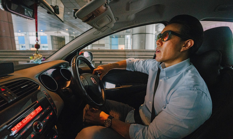 HQSoftware - Simulating Distorted Visuals of a Drunk Driver with a Real-Time Streaming to Virtual Reality Glasses