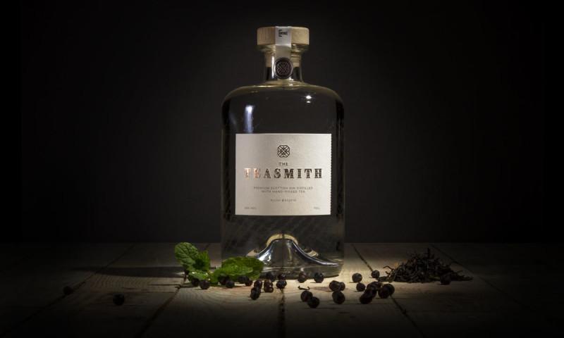 Fortytwo studio - Teasmith Gin