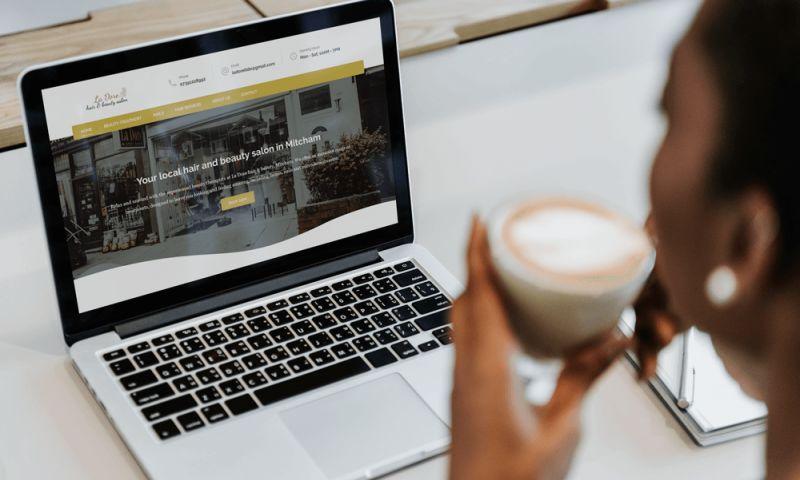 Carmine Cloak - La Dore   Branding & Website