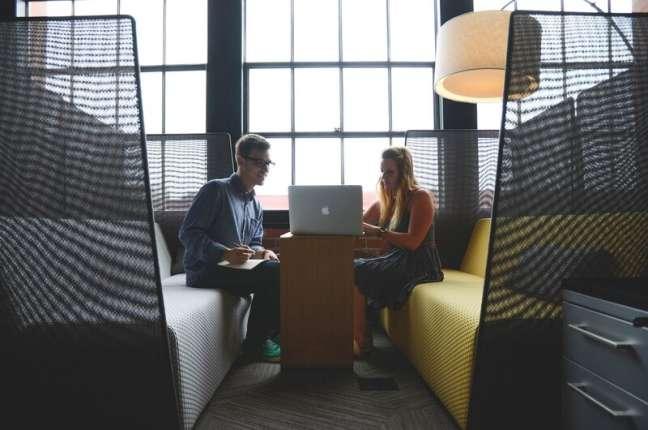 Open customer feedback: clients leaving feedback