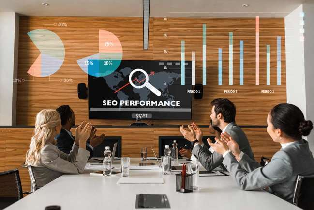 Team meeting in an enterprise seo company 
