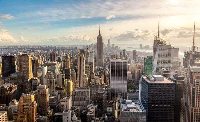 Business buildings in bustling NYC