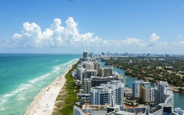 Graphic designers in Miami: Aerial view of the city of Miami